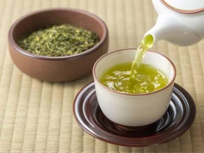 Come servire il tè secondo le buone regole del galateo