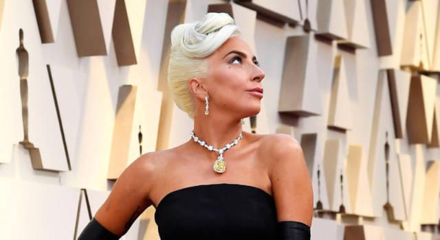 Lady Gaga show: gli 8 look (con mascherina) agli Mtv Video Music Awards