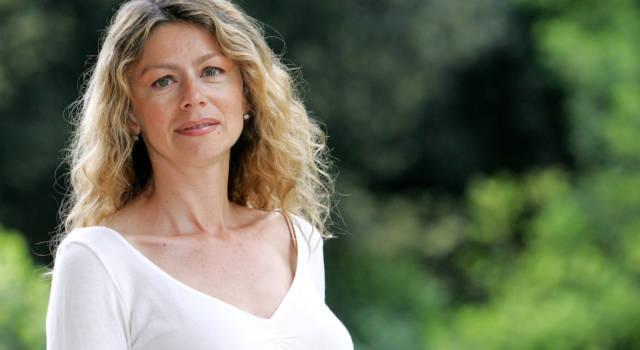 Due genitori famosi e una carriera da attrice: ecco chi è Amanda Sandrelli