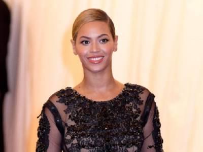 """Beyoncé e Jay-Z """"incoronano"""" Meghan Markle"""