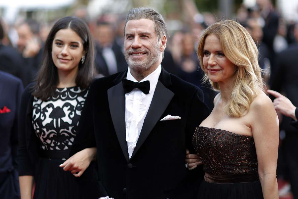 John Travolta, Ella e Kelly Preston