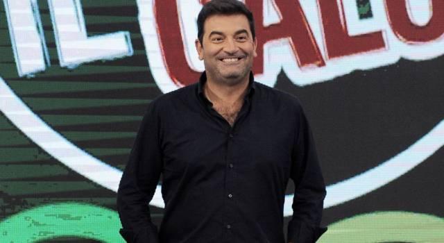Le curiosità su Max Giusti: sapevi che è stato fidanzato con Selvaggia Lucarelli?