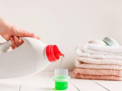 Detersivo per la lavatrice: preparalo con ingredienti naturali, anche con il Bimby!