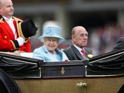 Perché la Regina Elisabetta non abdicherà mai?