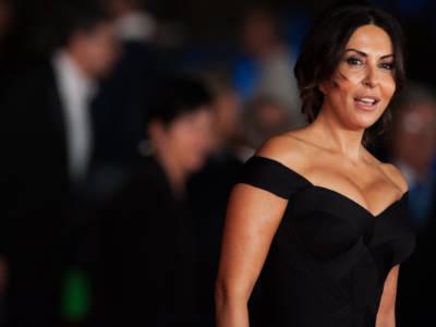 Quello che non sai su Sabrina Ferilli: dallo spogliarello per la Roma alla sua vita privata