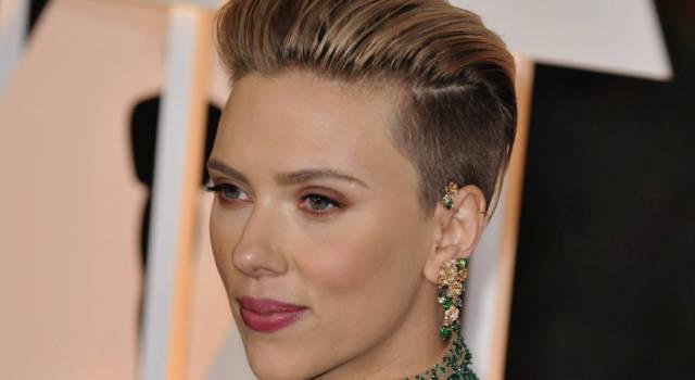 Il naso di Scarlett e l'ombelico di Emily Ratajkowski: le richieste più gettonate in chirurgia plastica