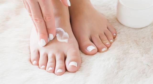 Come ricostruire le unghie dei piedi
