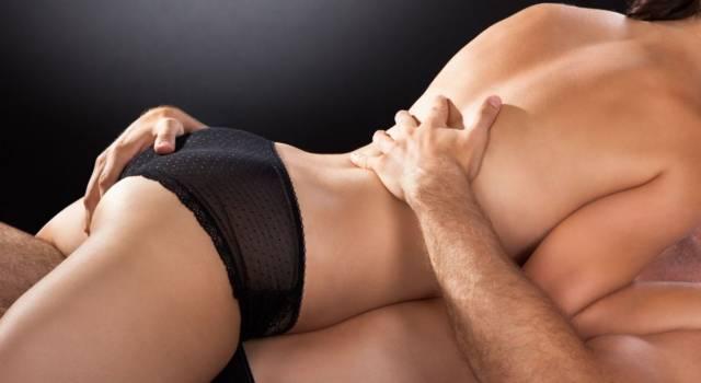 Le migliori tecniche e posizioni per stimolare il clitoride e raggiungere l'orgasmo