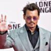 Johnny Depp arriva a Roma: due ore di ritardo a causa dei fan