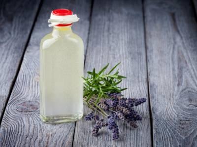 Struccante fai da te: gli oli migliori (e le ricette da provare)