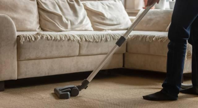 Come togliere la polvere e tenerla lontana: i consigli della nonna
