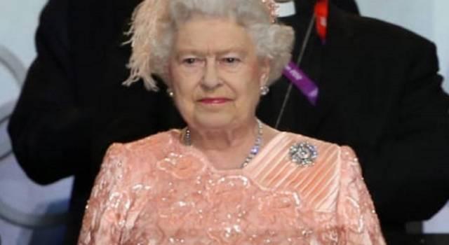 Regina Elisabetta, le casse piangono: conti in rosso!