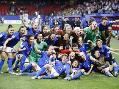 Le donne dei Mondiali meglio degli uomini: il calcio maschile perde lo scettro