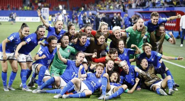 'Donne che fanno la differenza' su Rai 1: premiata anche la Nazionale di calcio femminile