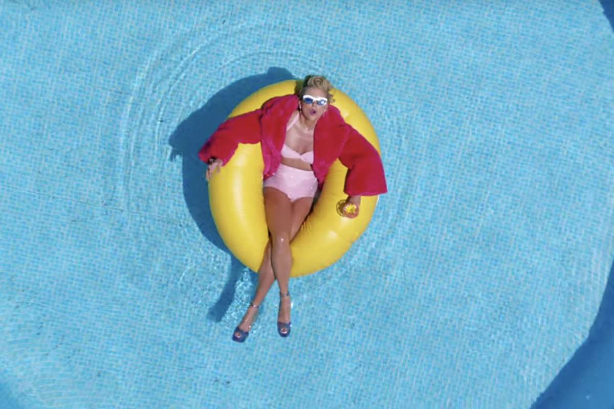 Bikini Taylor Swift