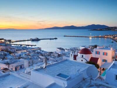 Cosa mettere in valigia per Mykonos? I consigli per outfit impeccabili