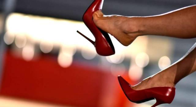 5 regole per camminare bene sui tacchi