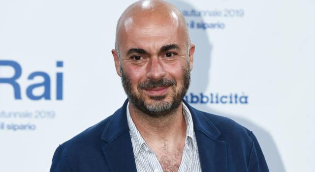 Dal giornalismo alla popolarità come conduttore tv: le curiosità su Edoardo Camurri!
