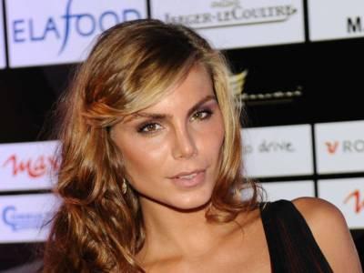 Chi è Nina Senicar, ex modella e naufraga de L'Isola dei famosi