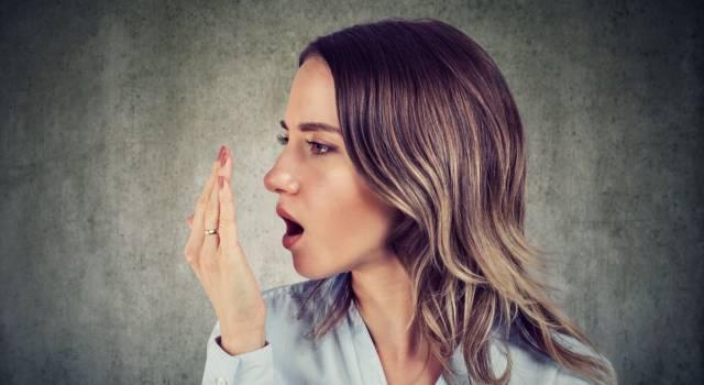 Come eliminare odore d'aglio in bocca