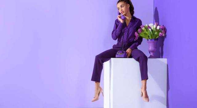 Come indossare il viola con stile
