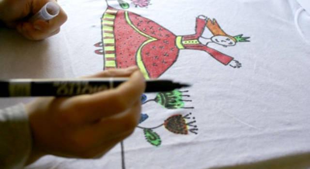 Personalizzare magliette con i pennarelli per tessuti: consigli pratici ed idee