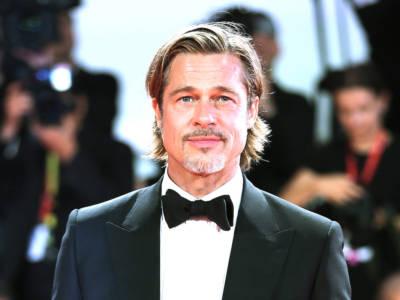 Brad Pitt consegna cibo ai bisognosi (ma nessuno lo riconosce)