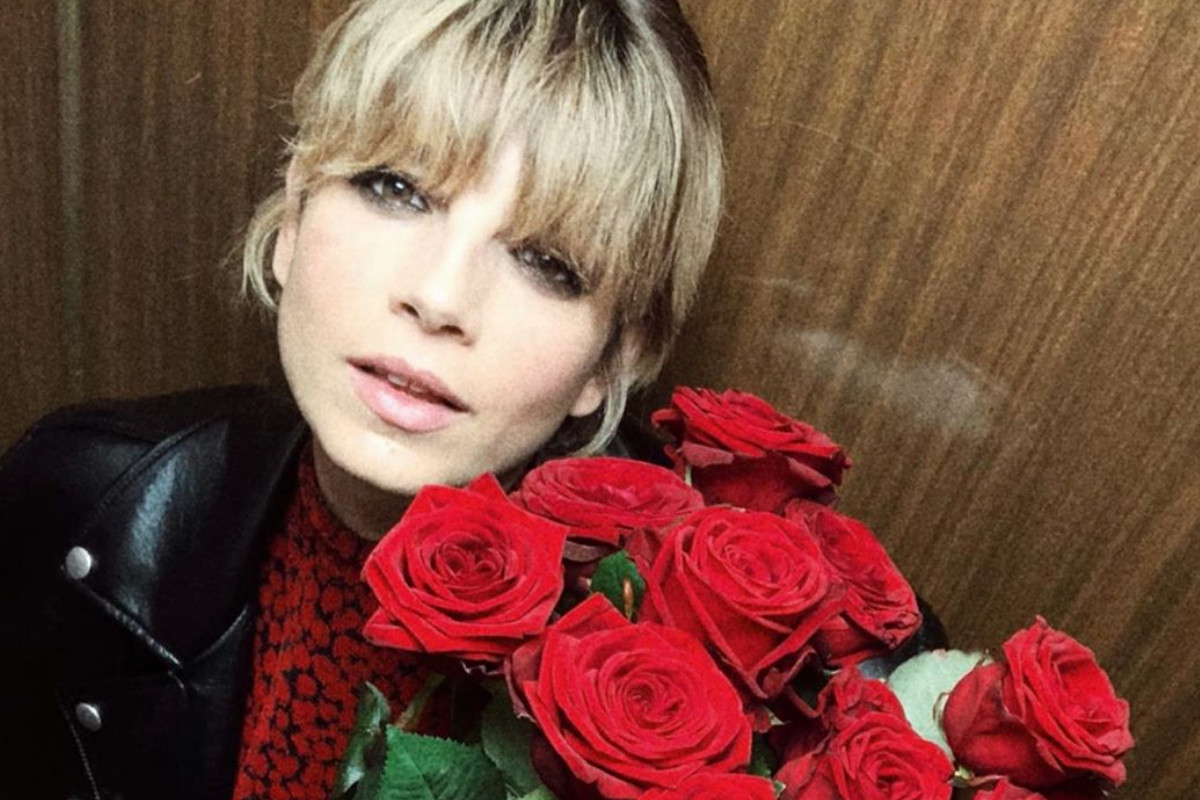 Emma Marrone e le rose