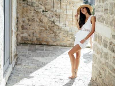Il bianco domina in ogni stagione: consigli (e trucchi) su come indossarlo al meglio