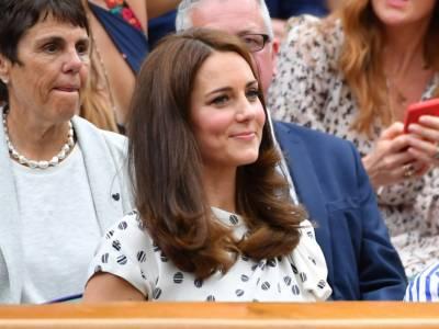 Kate Middleton, outfit da regina d'autunno: incanta in vinaccia e verde salvia