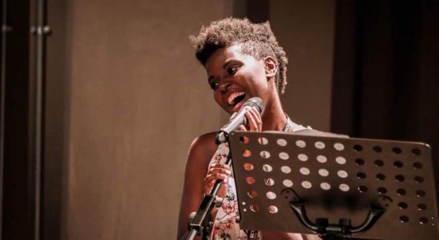 Tutto su Esperance Hakuzwimana Ripanti, la scrittrice che arriva dal Ruanda