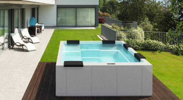 Case moderne e le mini-piscine idromassaggio