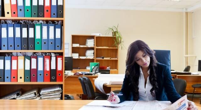 Occupazione femminile in Italia: una donna su due non lavora