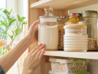 Come eliminare le farfalline del cibo dalla dispensa?