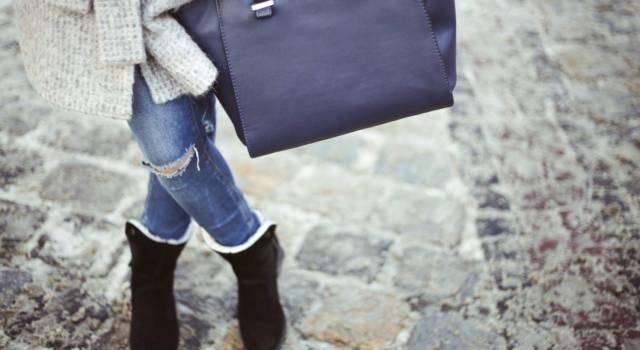 Come strappare i jeans con tecniche fai da te: per creare look più originali che mai!