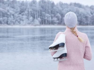 Amate pattinare sul ghiaccio? A Parigi potete trovare la pista al coperto più grande del mondo