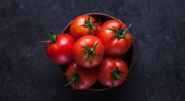 Come coltivare i pomodori sul balcone