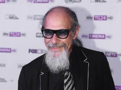Roberto D'Agostino: dal debutto come disc jockey al successo