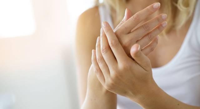 Come fare crema per mani screpolate
