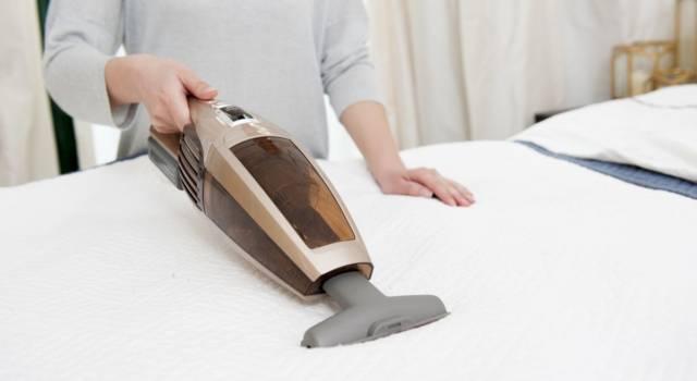 Lo sai quanti batteri si nascondono nel materasso? Ecco come pulirlo!