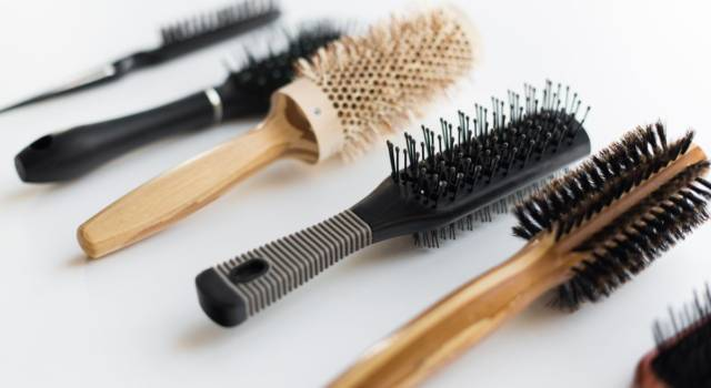 Pulire e disinfettare la spazzola per i capelli con i rimedi della nonna