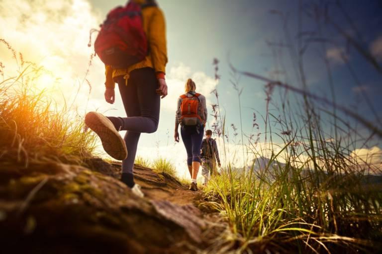 Camminare in montagna: i benefici per corpo e mente