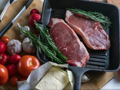 Sì, esistono dei trucchi per rendere la carne più tenera (e funzionano davvero)