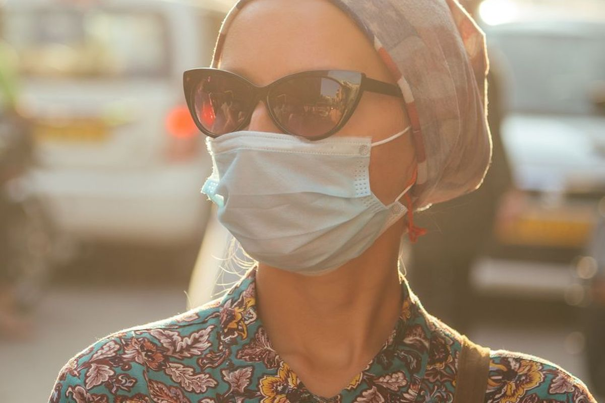 donna mascherina