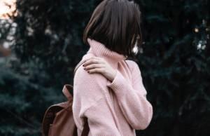 Maglione rosa collo alto