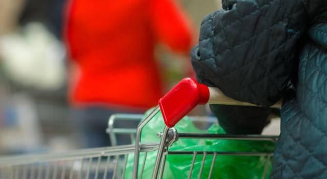 Come disinfettare la spesa: tutti gli accorgimenti da adottare