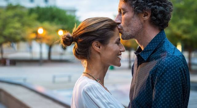Significati di un bacio sulla fronte: un rito molto antico