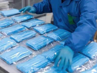 Coronavirus, come smaltire mascherine e guanti dopo l'uso?