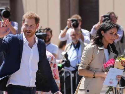 La Regina Elisabetta furiosa: Harry richiamato a corte (senza Meghan)
