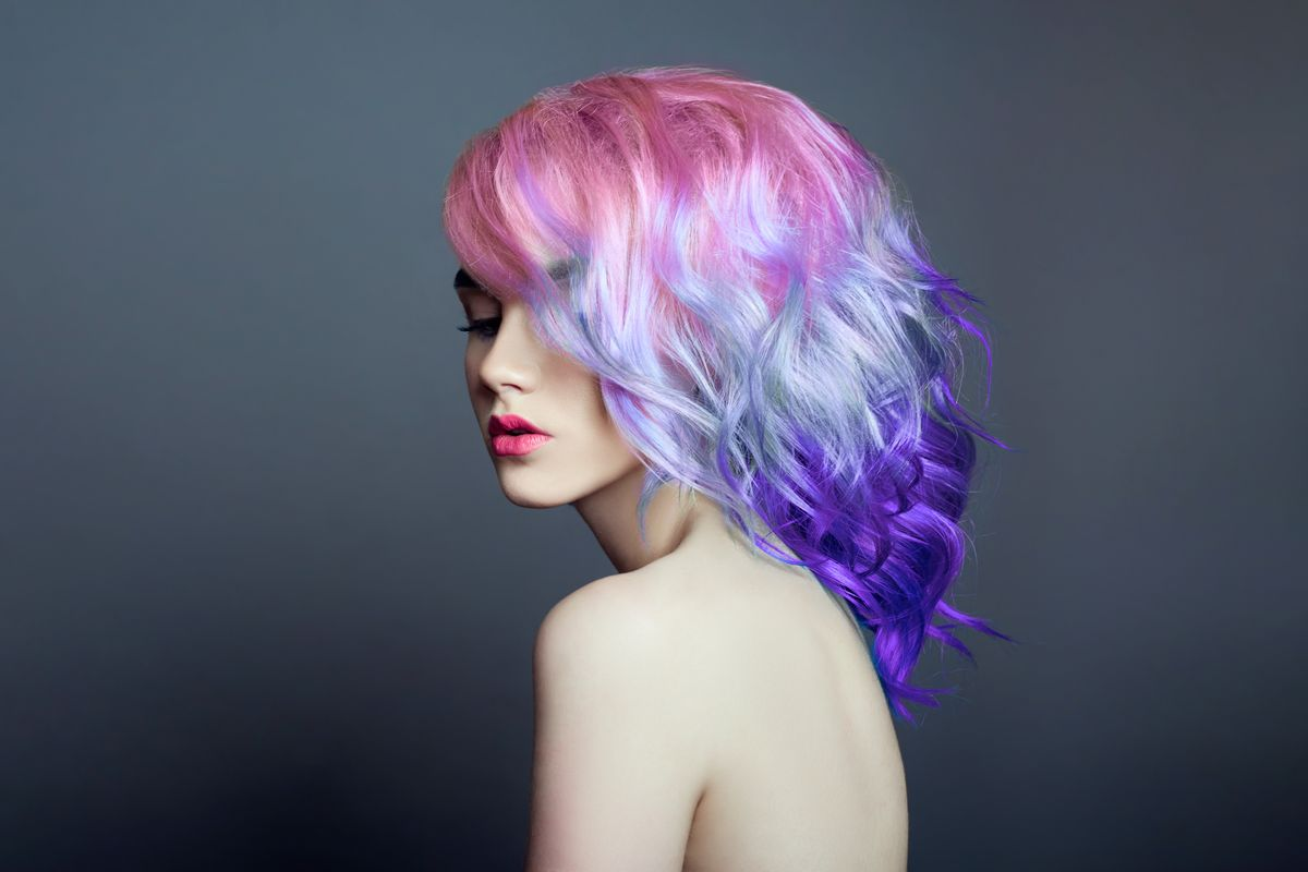 Capelli olografici stile colore unicorno